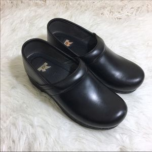 Dansko XP Black Clogs Size 38